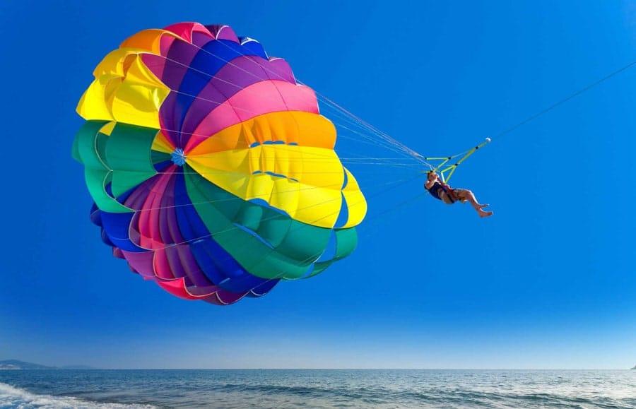 نکاتی پیرامون ورزش پاراسل یا چتر بازی روی دریا و پاراسل کیش