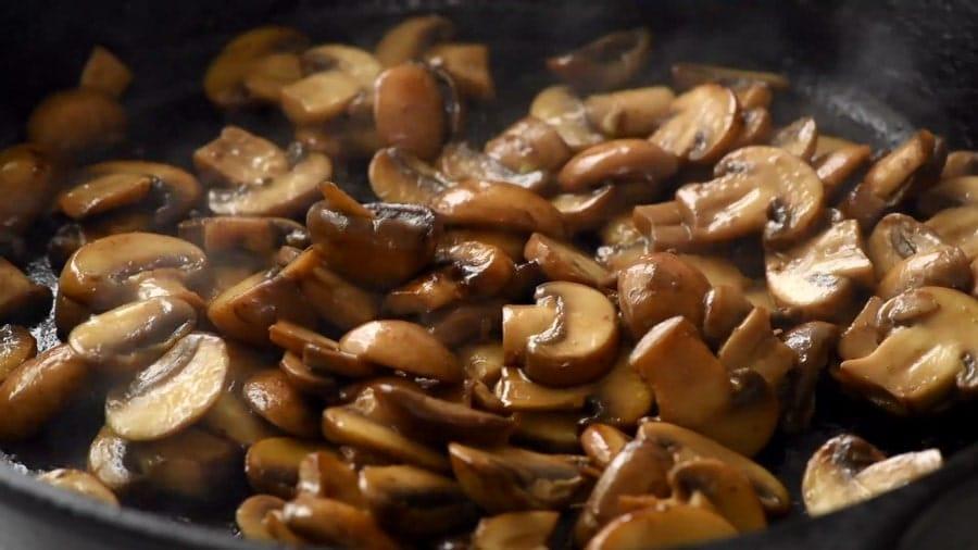 طرز تهیه سس قارچ در منزل را در کمتر از 10 دقیقه یاد بگیرید