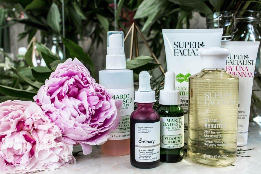 محصولات بهداشتی مختلف برای مراقبت از پوست
