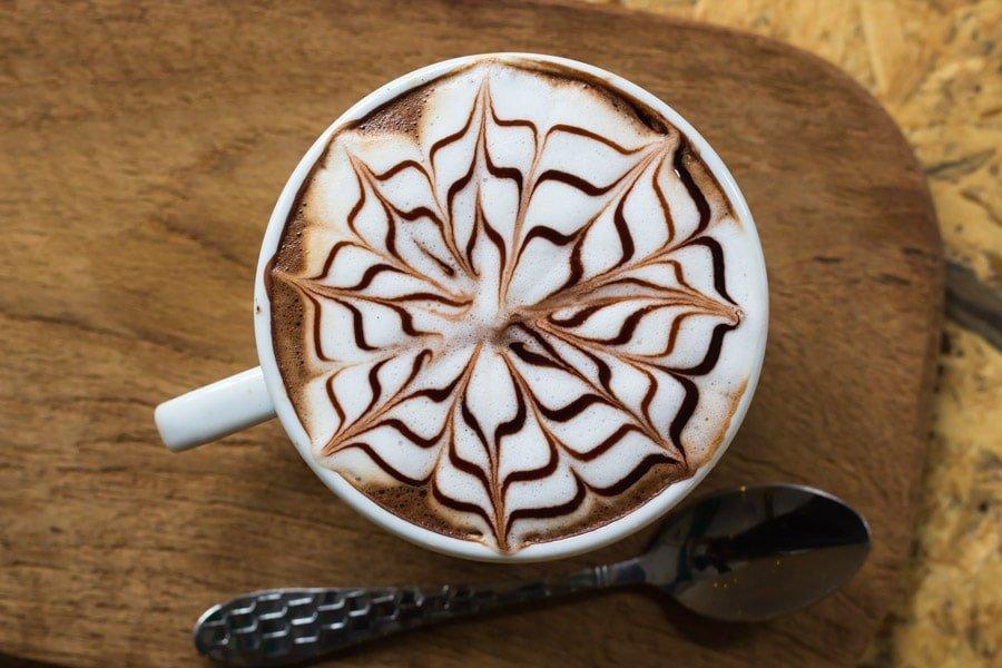 طرز تهیه کافه لاته (لته) به دو روش مختلف را در کمتراز 5 دقیقه یاد بگیرید