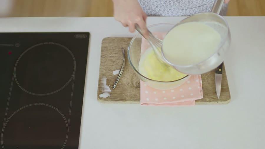 طرز تهیه کاسترد وانیلی ، یکی از پرطرفدارترین دسرها را تنها در 4 مرحله یاد بگیرید