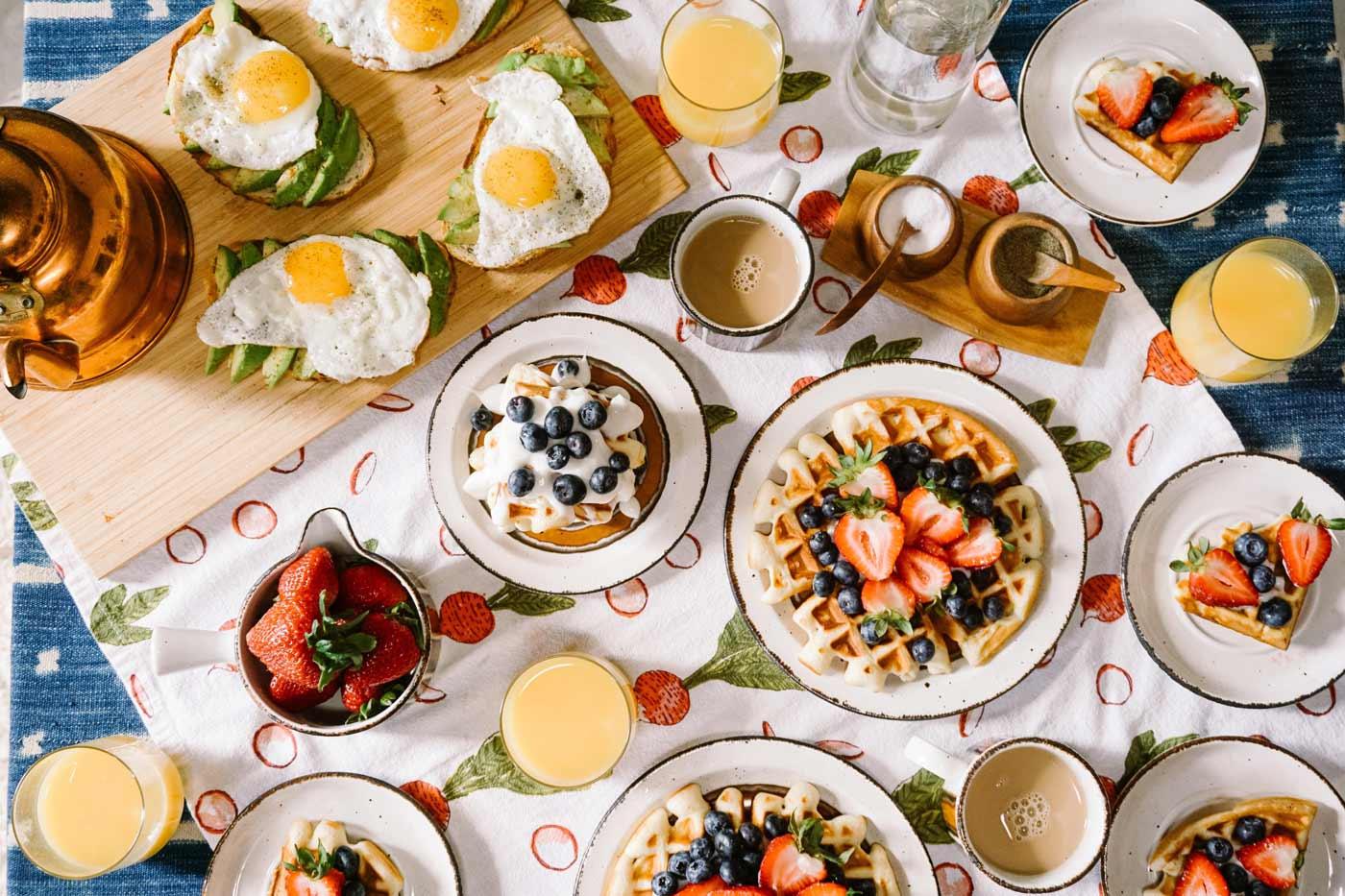 با 11 تا از بهترین صبحانه ها از نظر تغذیه که هر کدام صبحانه سالم و مغذی هستند آشنا شوید