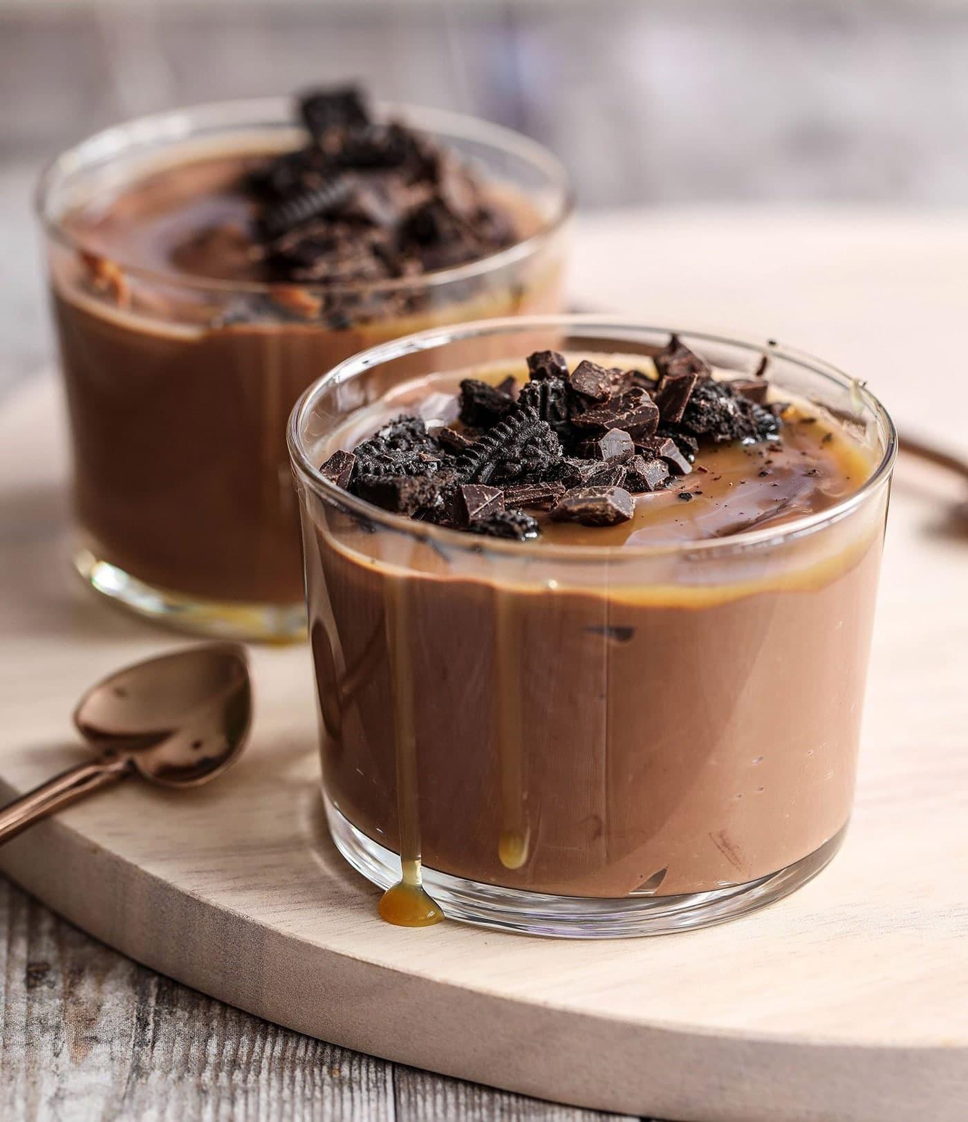 طرز تهیه پودینگ شکلاتی به روشی سریع و آسان را تنها در 4 مرحله یاد بگیرید