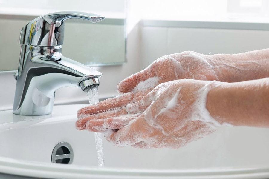 شستشوی دست ها برای جلوگیری از ویروس کرونا