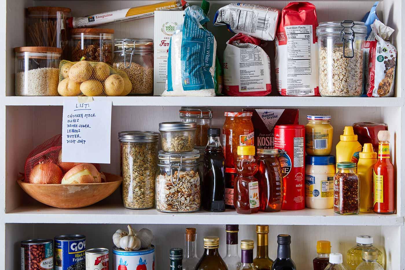 ایده های ساده و کم هزینه ای که به شما در چیدمان آشپزخانه و مرتب کردن مواد غذایی کمک میکنند