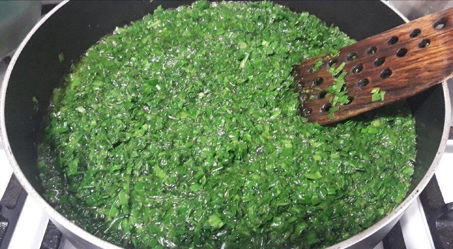 سبزی سرخ کردن خورش قورمه سبزی