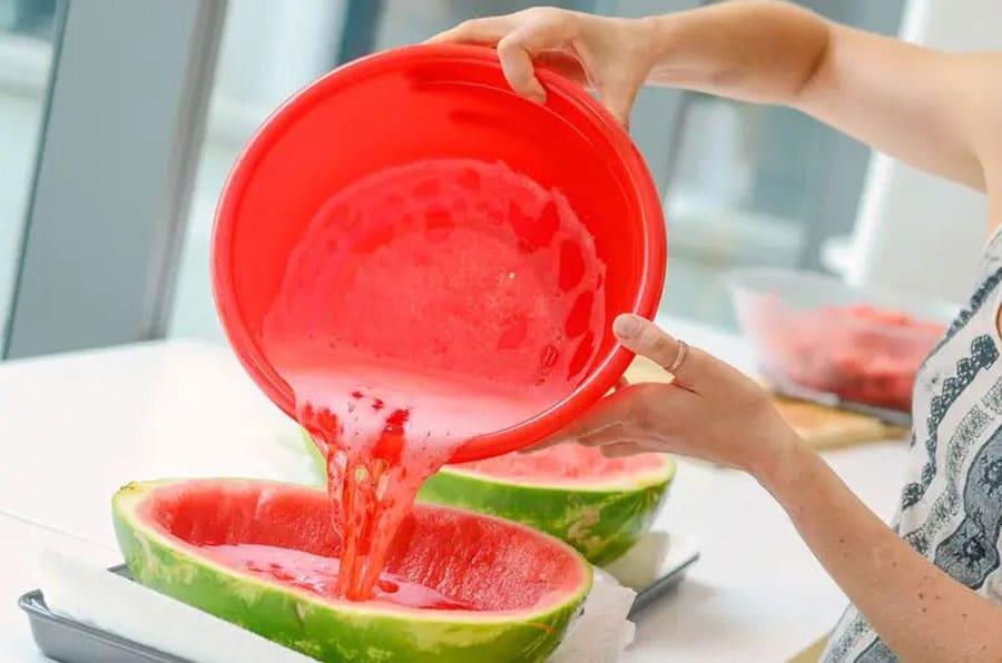 تهیه ژله در پوست هندوانه