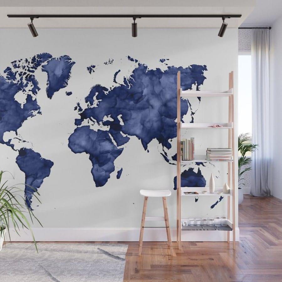 رنگ آمیزی نقشه جهان روی دیوار