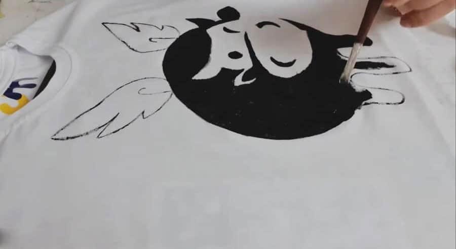 نقاشی روی تی شرت