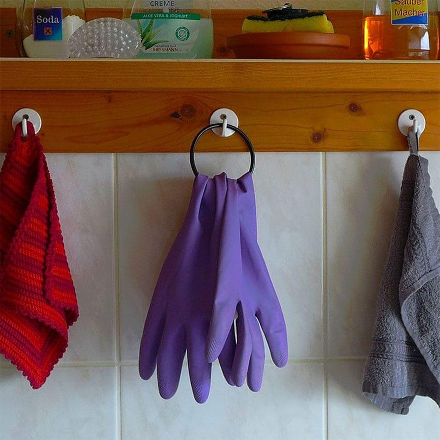 مراقبت از ناخن با پوشیدن دستکش
