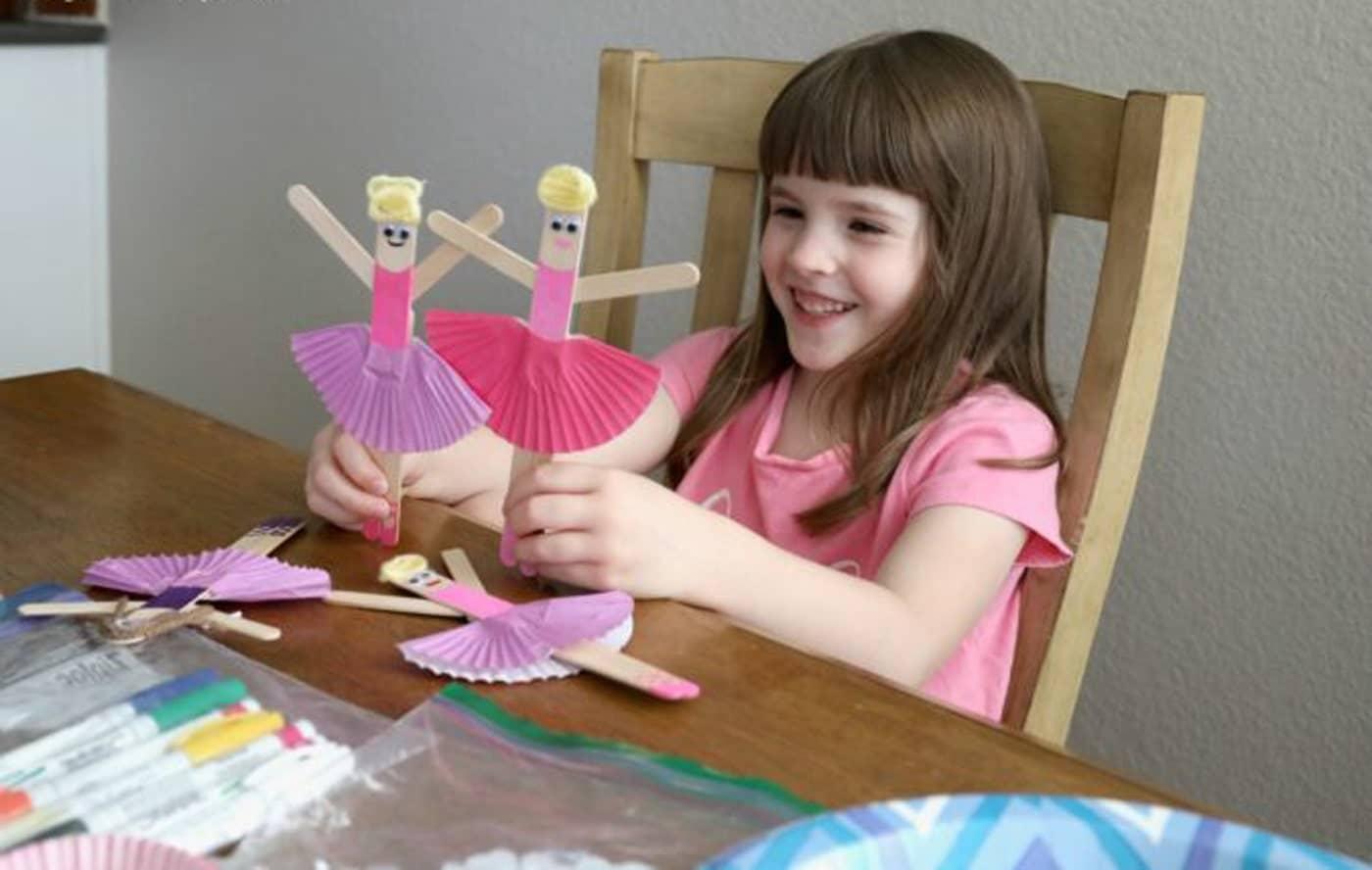 عروسک دخترانه با چوب بستنی
