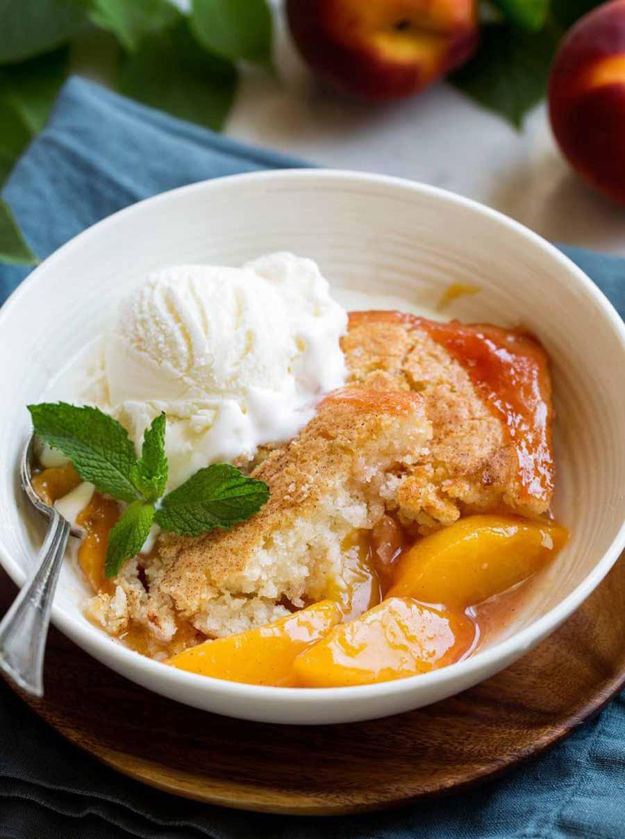 طرز تهیه شیرینی هلویی دسری خوشمزه و لذیذ برای همه ذائقه ها