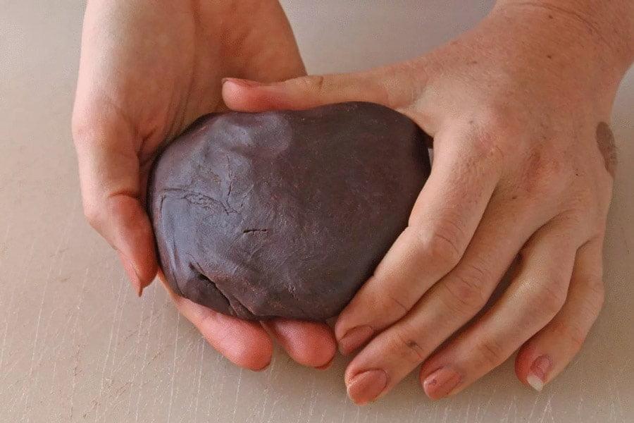 تهیه فوم شکلات برای تزیین شکلات