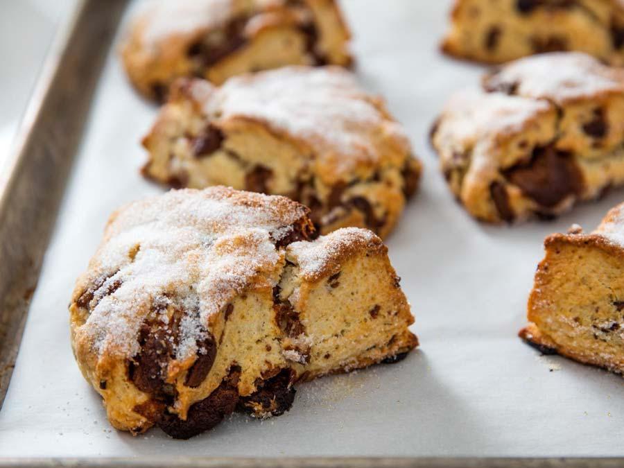 اسکون کرمدار با شیر و شکلات ، ایده جذاب برای صبحانه