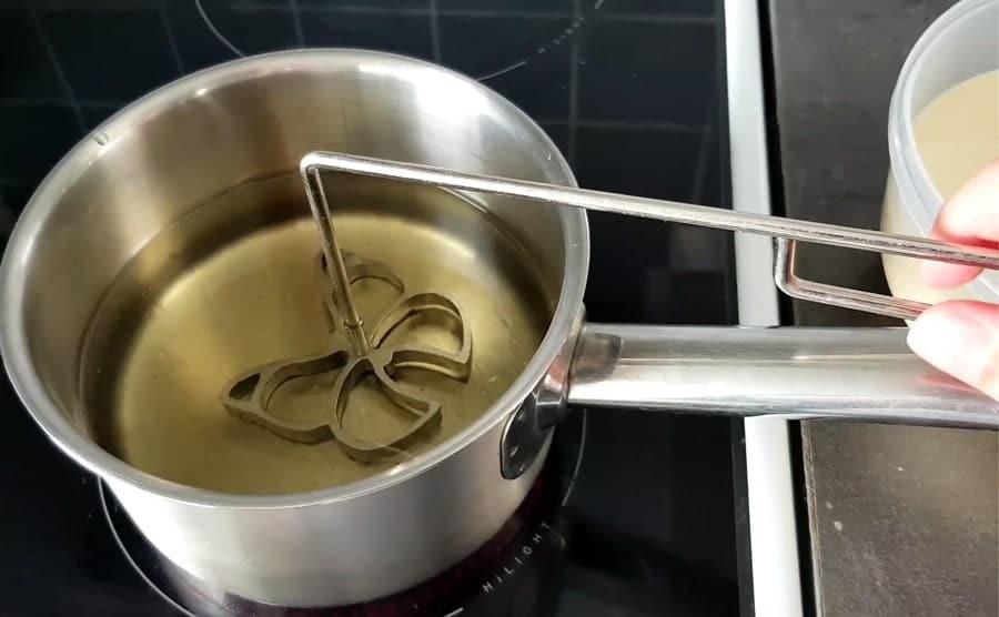 مراحل تهیه شیرینی پنجره ای