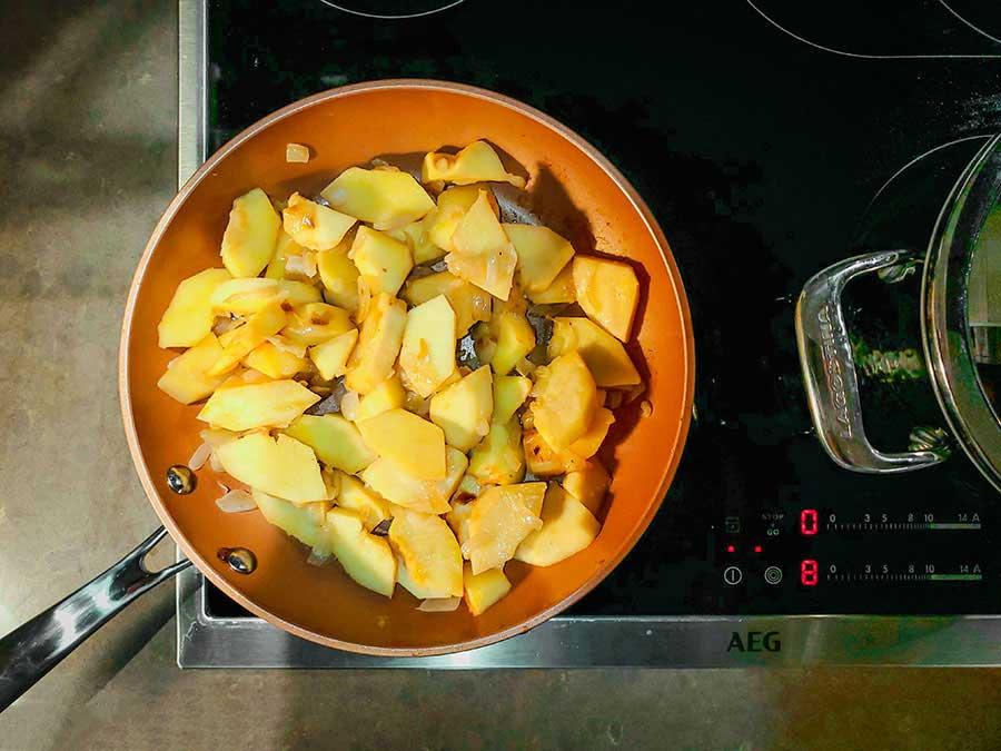 اضافه کردن میوه ها به غذا