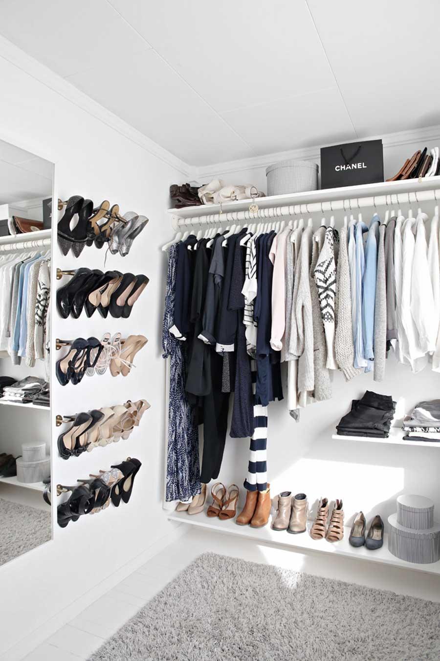 چیدن کفش ها روی دیوار
