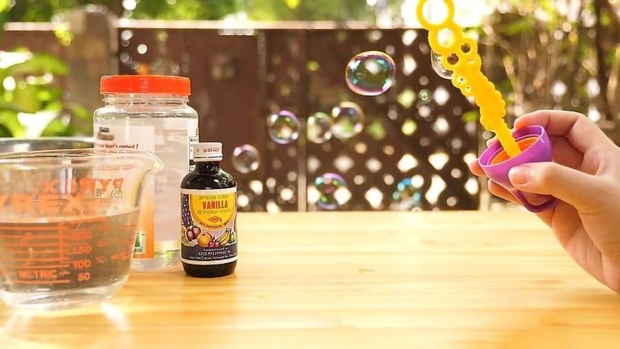 آموزش درست کردن مایع حباب ساز برای تولید حبابهای معطر