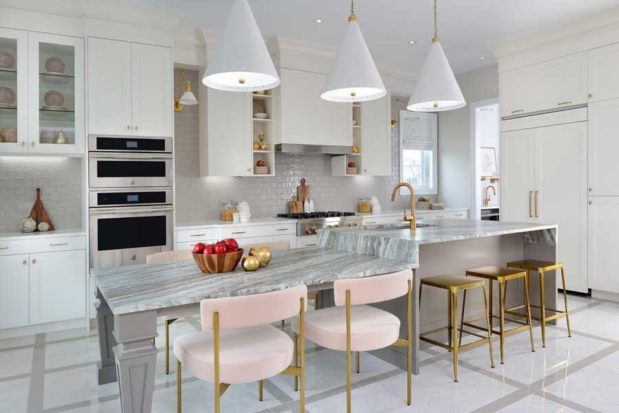 رنگ طلایی در آشپزخانه